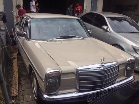 FOR SALE !! Mercedes - Benz mini 200 w114