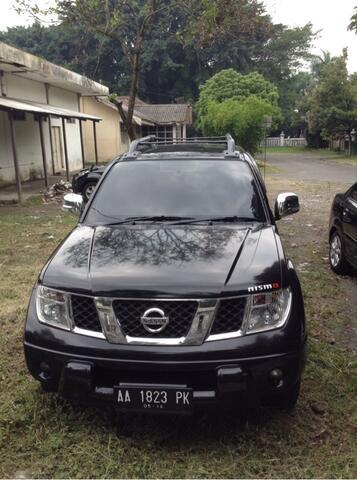 Nissan Navara 2011 A/T Hitam Jogja