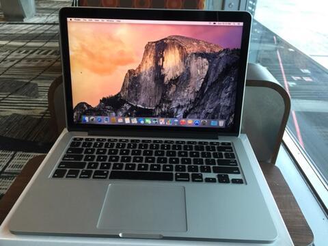 "Macbook Pro 13,3"" Retina Display (2015) MF839. MINT Condition, Fullset."