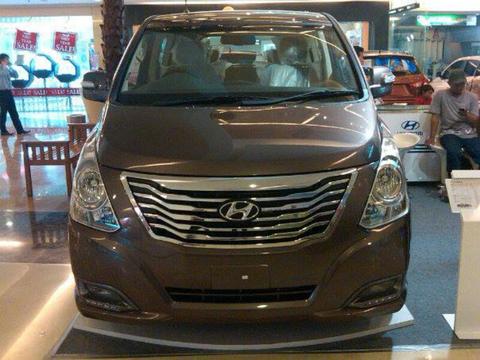 Hyundai H-1 Gasoline & CRDI VGT super mewah harga terjangkau( big diskon )