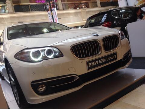 BMW 520i Luxury Line Promo Rendah DP