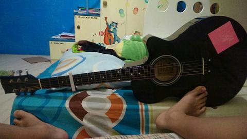 gitar TGM akustik