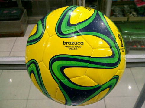 2858d81cce Terjual Bola Futsal Adidas Brazuca
