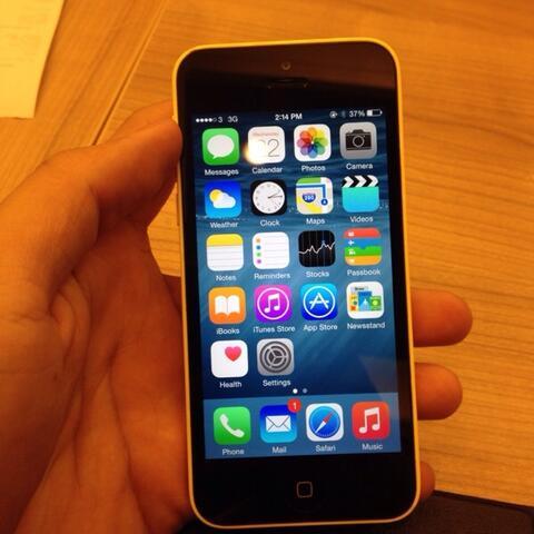 Terjual jual iPhone 5C 16gb yellow second mulus masih garansi resmi ... 49fa009794