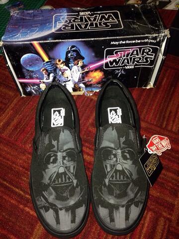 vans starwars darth vader slip on star wars original size 8.5us brand new