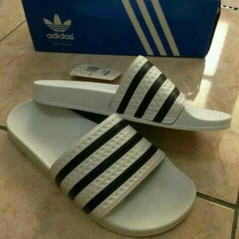 8dcff65ea12c Terjual jual sandal adidas original adilete