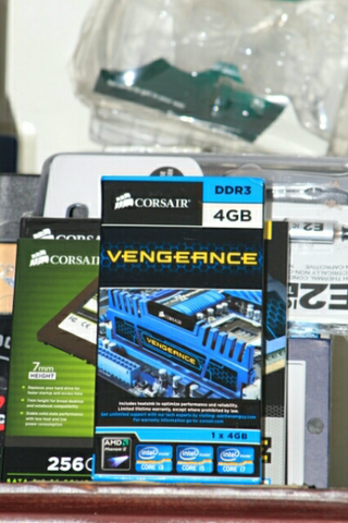 RAM CORSAIR VENGEANCE 1X4GB DDR3 BLUE