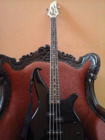 WTS Bass Yamaha RBX 170 Semarang + Bonus