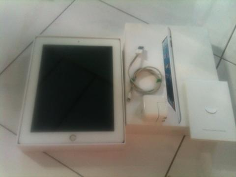 Apple iPad 4 16 GB Wifi Surabaya