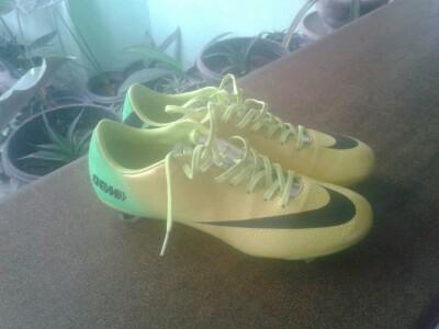 69c4054a9280 Terjual Jual Sepatu Sepakbola (Original) Nike Mercurial Vapor IX ...