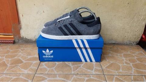 WTS Adidas tobaco x mountaineering (RARE ITEMS)