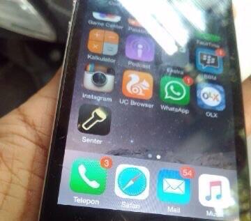 Terjual iPhone 4s Black 16GB Murah Komplit COD Solo  3d9a010ff4