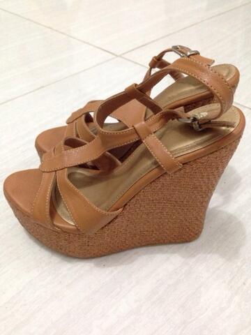 Terjual  JUAL  Sepatu sandal wedges Bellagio  687e70fc7f