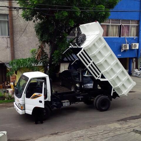 isuzu NKR 71 HD dump truck