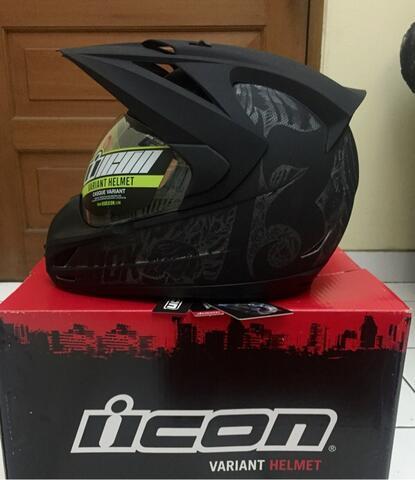 Helm Supermoto Icon Variant Black Construct size Large BNIB
