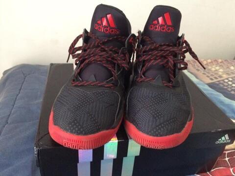 Sepatu Basket Adidas D Lillard 2