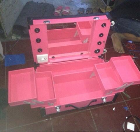 case245 beautycase custom + lighting