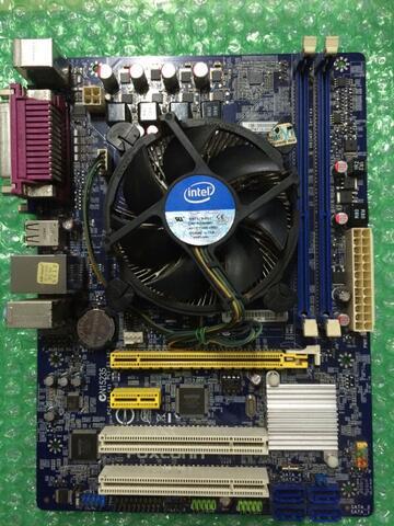 Processor Core i3 3220 3.30ghz + HSF ori bawaan + mobo foxconn