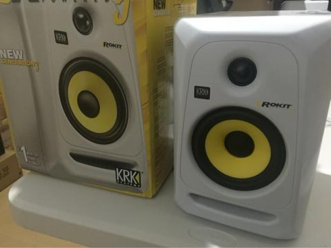 KRK 5 GENERATION 3 white edition speaker aktif