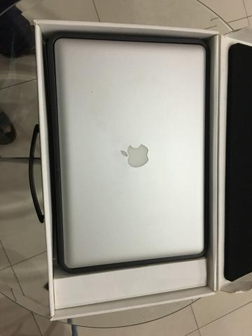 Macbook Pro 15 inc | 4GB | i5 | 500GB |MID2010