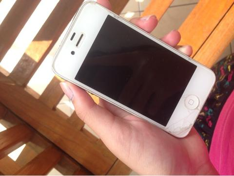 Iphone 4 32GB masih mulus