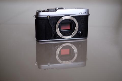 Fujifilm X-E2 (88% good) & Fujinon XF 35mm f2 WR (100% new)