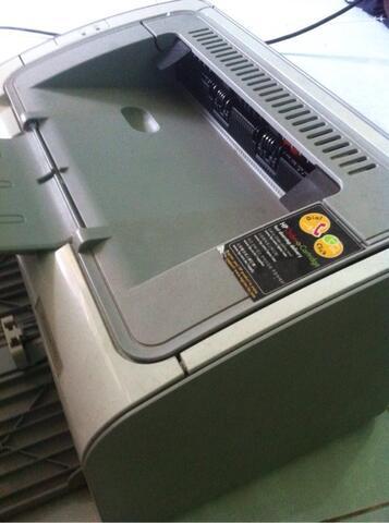 Pinter HP Laserjet P1102
