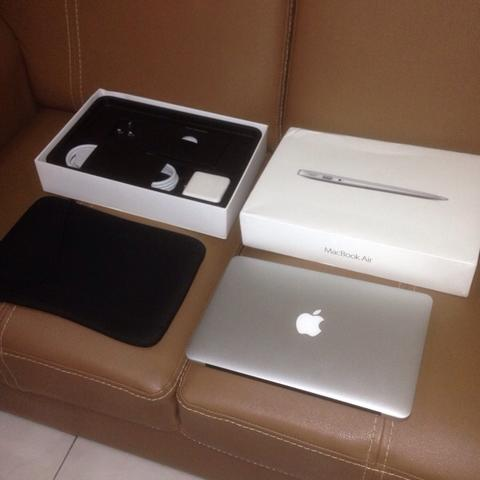 MacBook Air 1.4 Ghz Intel Core i5, 4Gb, HD G6000, 256gb