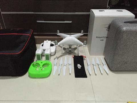 Dji Phantom 4 2nd 2 battery Like New Mulus!