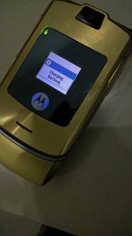 Handphone Motorola Razr V3i