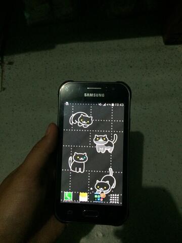 Samsung J1 ACE Hitam