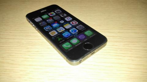 iPhone 5s 16GB FU Space Grey Verizon