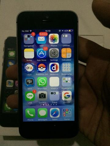 Terjual Iphone 5s 32gb space grey like new ex garansi resmi indo ... c195c7be06