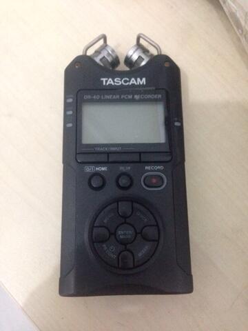 Tascam Dr 40 Audio Handheld Recorder