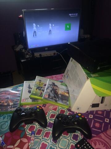 Xbox Slim Black 360 Memo 4 Gb