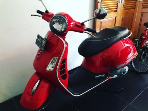 vespa gts red 2014