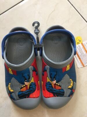 Sepatu Crocs ORI Batman Warna Abu2 Ukuran 12/13