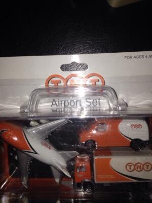 miniatur airport set TNT