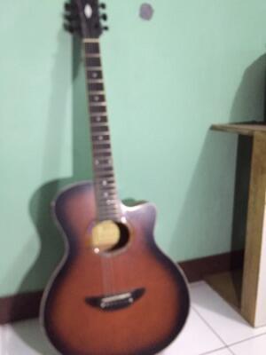 di jual guitar acoustic merek gibson