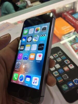 Iphone 5s 32GB Murah Meriah Fullset Dan Mulus (Non Fingerprint) 0ef6dad050