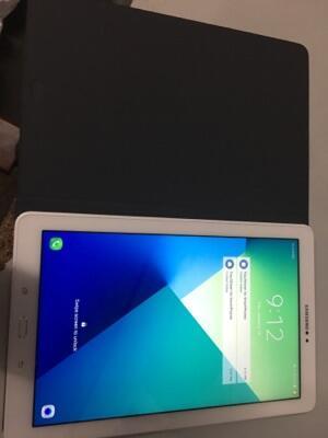 WTA: samsung Galaxy Tab A S Pen 10.1 warna putih. Rp. 4.300.000. Beli Nego