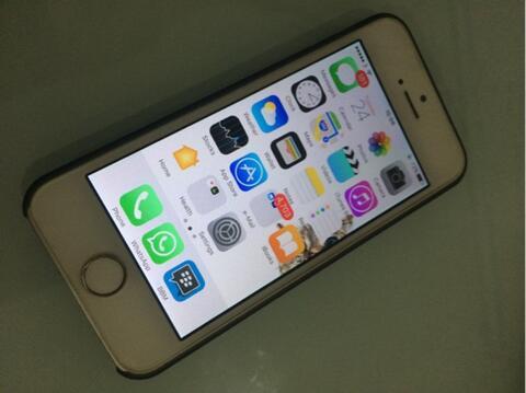 WTS iPhone 5 32gb white 2nd (jual santai)