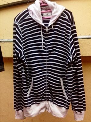 jaket hoodie uniqlo original (not timberland, redwing, zara, clarks,levis)