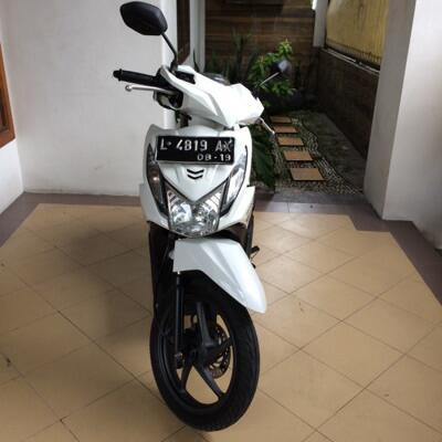 Honda Beat Putih 2014