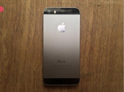 iPhone 5s 64gb spacegrey