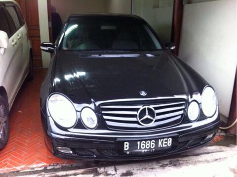 Mercedes Benz W211 E200 2004! KM rendah!