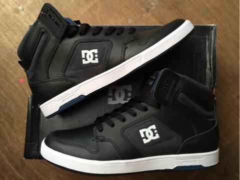 Terjual dc shoes nyjah huston  8d3e48ece3