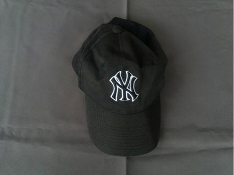 Terjual MAJOR LEAGUE BASEBALL (MLB) CAPS HAT TOPI NY LOGO  7179e04376