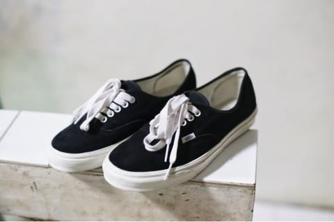 WTS Vans Authentic Mono 100% original 2nd like new not Supreme Nike Adidas Converse