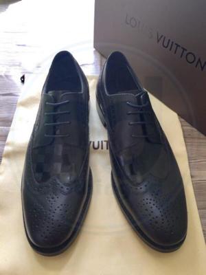 Terjual SEPATU PANTOFEL LOUIS VUITTON - BLACK  9859e024fe